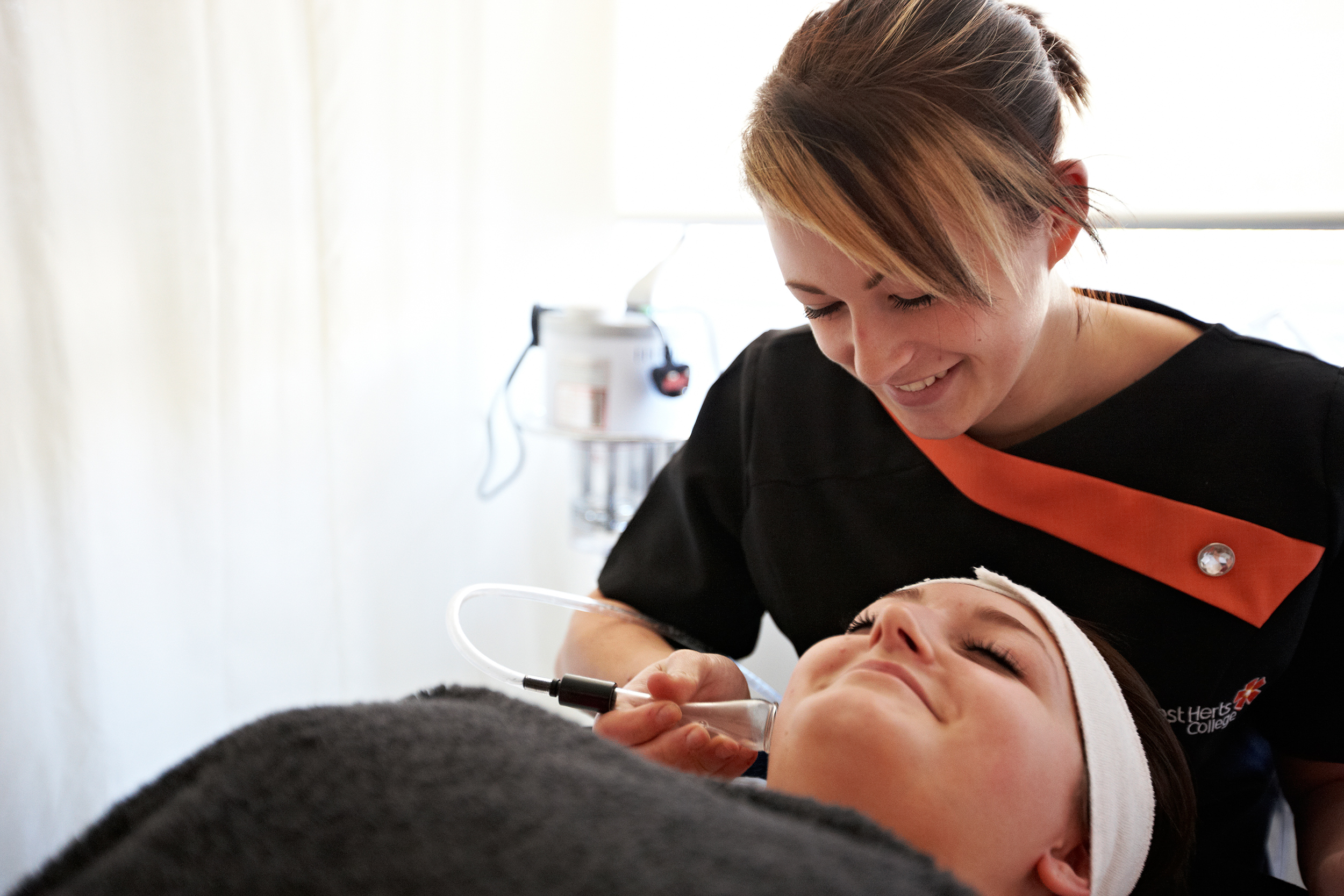 level 2 certificate in cosmetic make-up