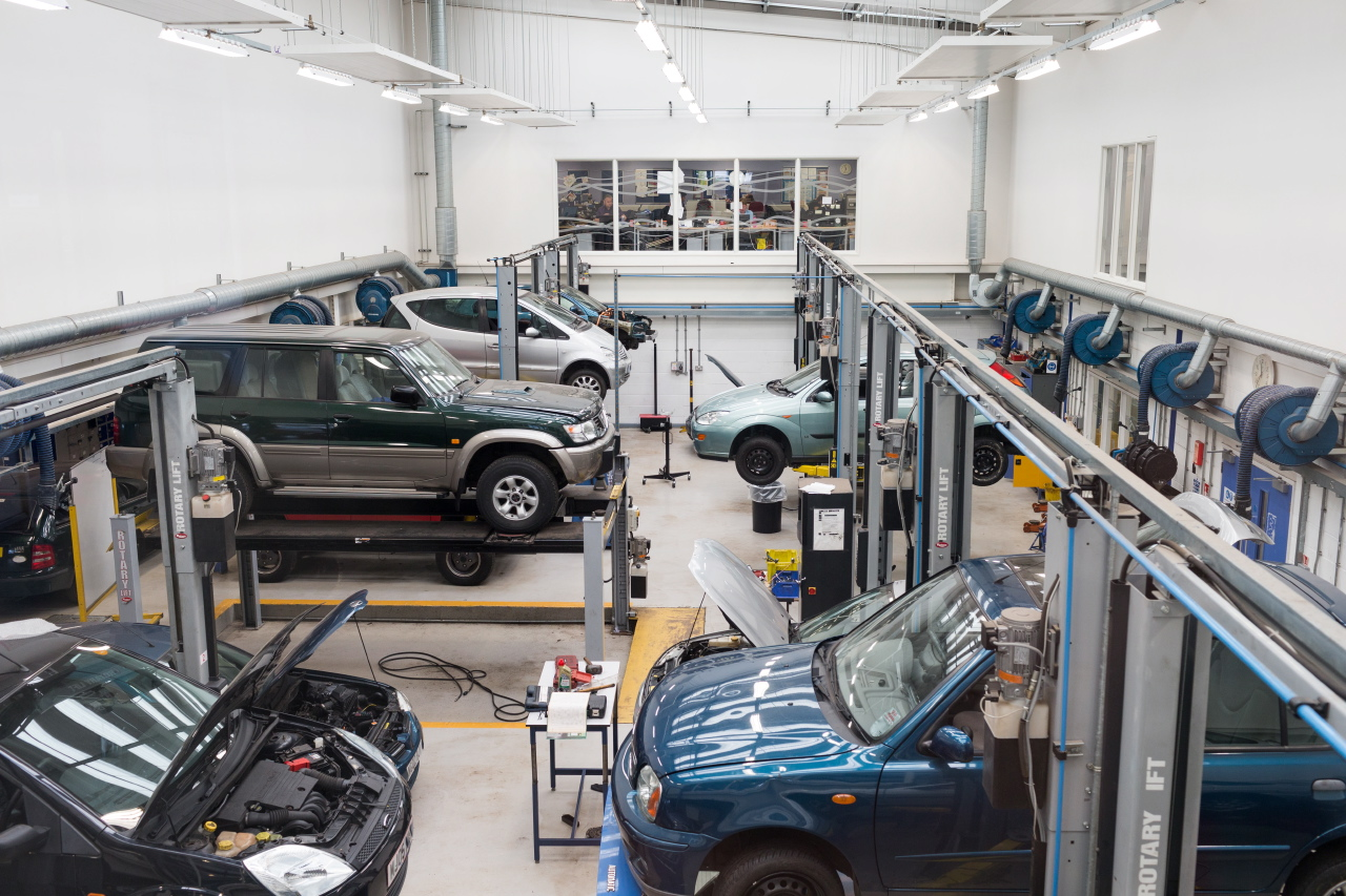 Level 3 Diploma in Light Vehicle Maintenance and Repair Principles - West Herts College