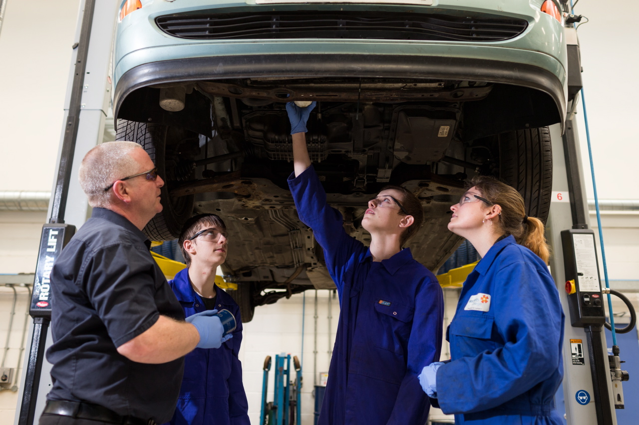Level 1 Diploma In Light Vehicle Maintenance West Herts
